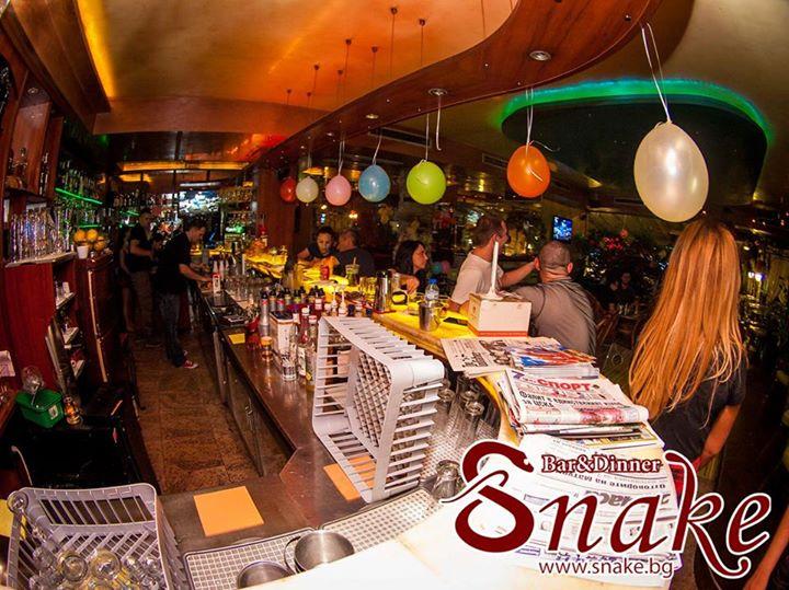 Snake Bar & Grill 4