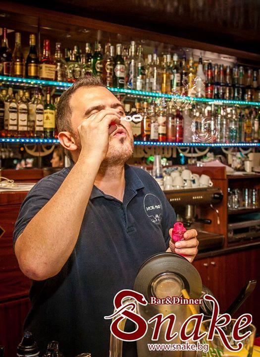 Snake Bar & Grill 6